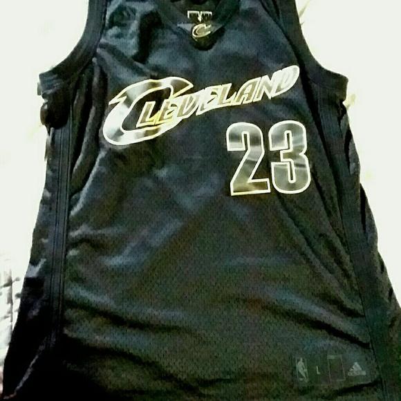 quality design dd4f1 e9a6e LeBron James (black/Gold) Cavs Jersey (Rare)